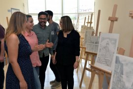 KMÜ'de sınıf öğretmenliği öğrencileri resim sergisi düzenledi