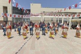 KMÜ, halk oyunları ve mehter marşları ile şenlendi