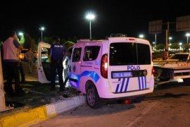 Karaman'da cipin polis aracına çarpması sonucu 2'si polis 3 kişi yaralandı