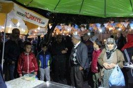 Rahmet Akşamında AK Partililer Seçim Bürosunda
