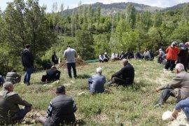 Karaman'da darp edilip bıçaklanarak öldürülen şahıs toprağa verildi