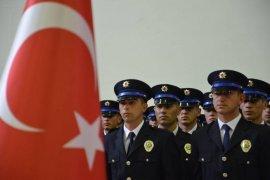 Karaman POMEM'de 360 polis adayı mezun oldu
