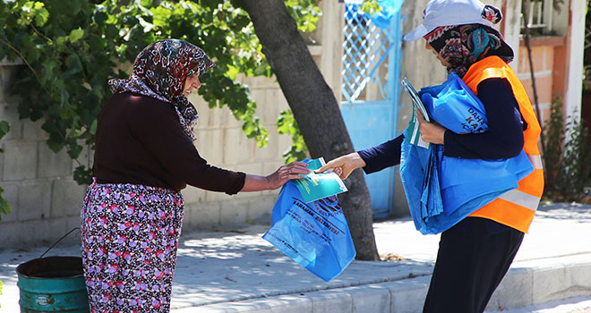 Karaman'da vatandaşlara 100 bin kurban poşeti dağıtıldı