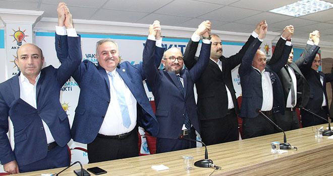 Karaman'da AK Parti belediye başkan adayını tanıttı