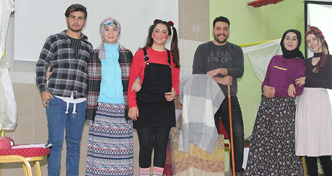 KMÜ'de BESYO öğrencilerinden tiyatro gösterisi