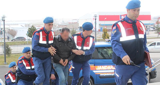 Karaman'da hırsızlık zanlısı 3 kişiden 2'si tutuklandı