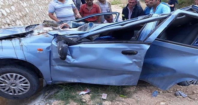 Karaman'da otomobil şarampole yuvarlandı: 3 ölü