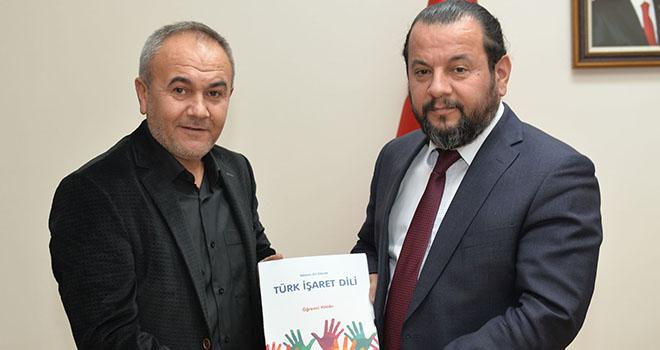 """Rektör Akgül: """"KMÜ olarak engelliler için eğitim faaliyetlerine başlayacağız"""""""