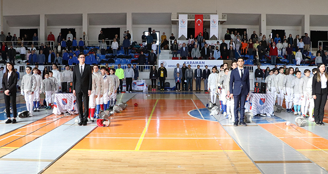 Karaman'da Açık Eskrim Turnuvası başladı