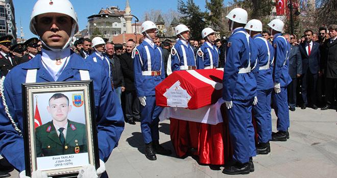 Kazada hayatını kaybeden uzman onbaşı son yolculuğuna uğurlandı