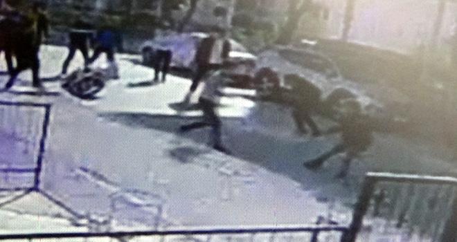 Gençler arasında bıçaklı kavga: 1 ağır yaralı